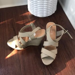 Chinese laundry cute wedge sandals